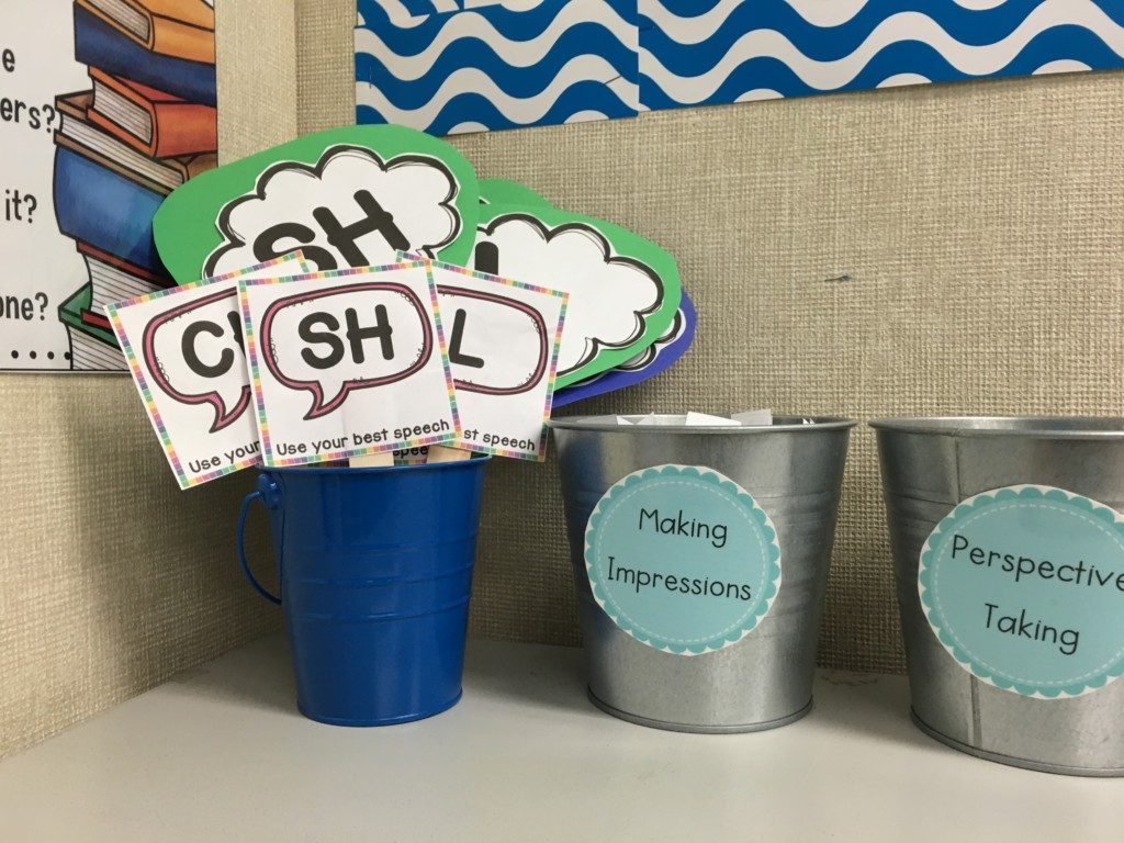 articulation carryover activities that use visual reminders to help kids think about their sounds.